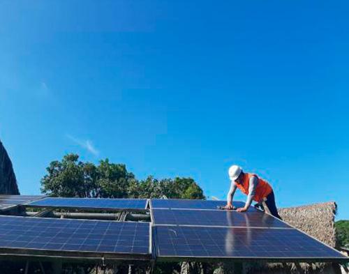 Instalación de un sistema fotovoltaico para el funcionamiento de la planta de oxígeno de la clínica Tucunaré